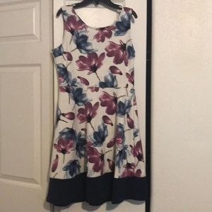 Gill floral Dress Size Large